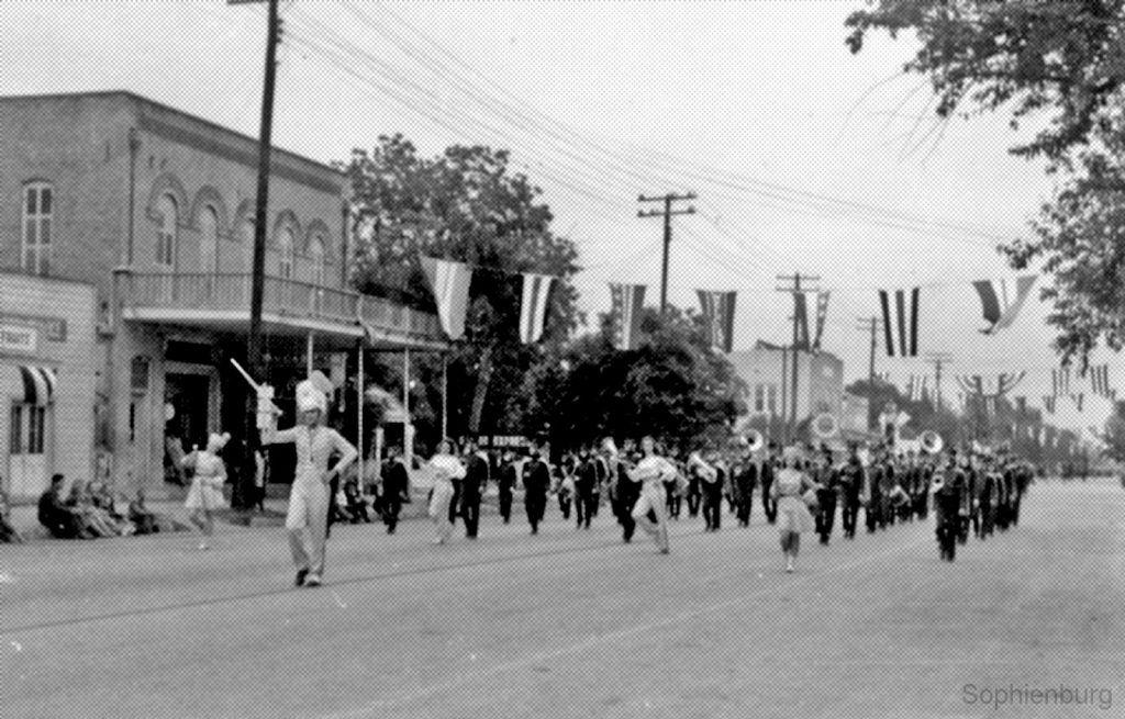 Photo: Comal County Fair Parade, 1946.
