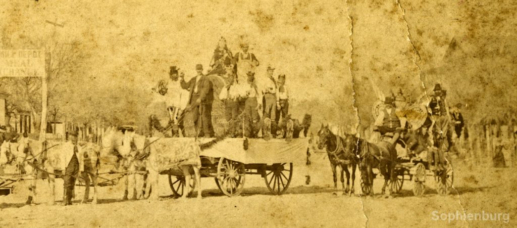 Beer wagon with Gambrinus in 25th Jubilee Parade. Sophienburg Museum & Archives (PST0001_7)